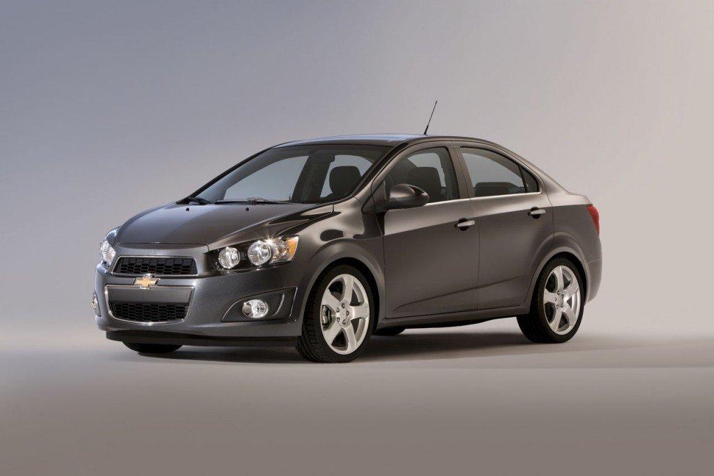 chevrolet-aveo-2012-2-sedan-2011.jpg