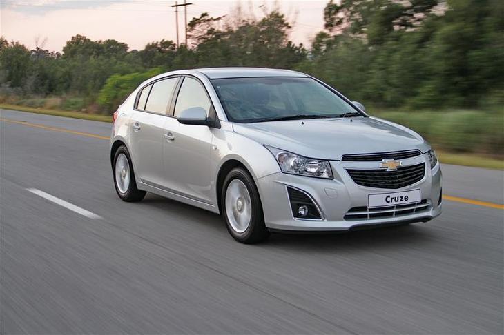 chevrolet-cruze-2013-hatchback-facelift-2013.jpg