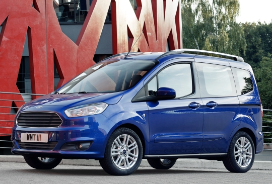 ford-tourneo-courier-2014-1.jpg