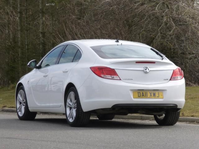 opel-insignia-hatchback-a-2011.jpg